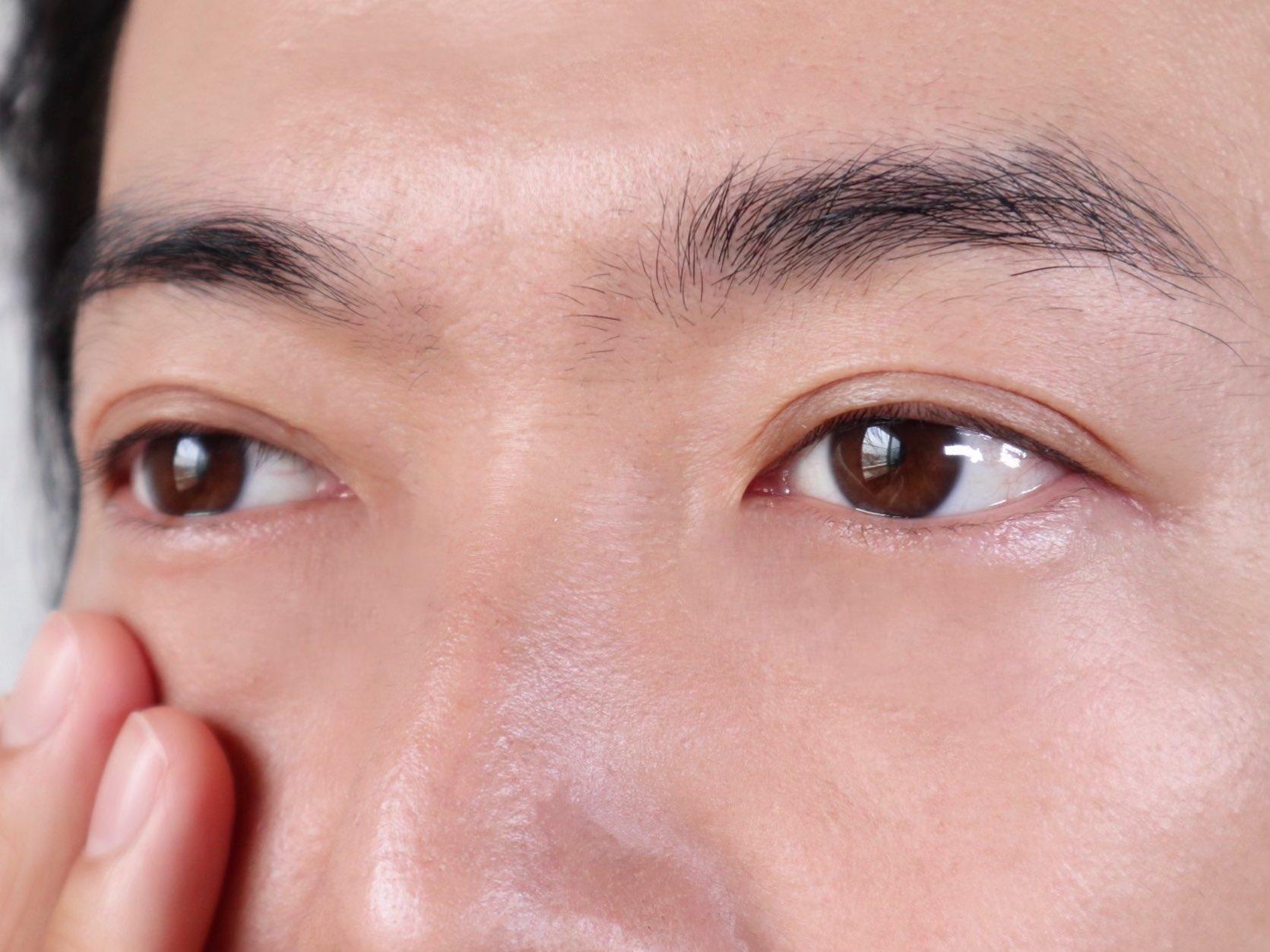 社会人の眉毛の整え方-肌ケア